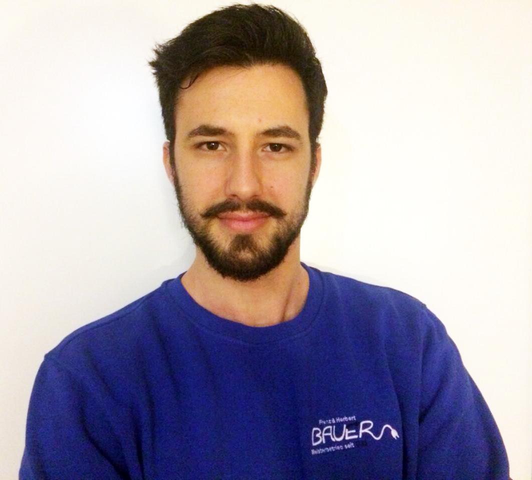 Auszubildender Henri Xhetani verstärkt das Team von Bauer Elektrotechnik