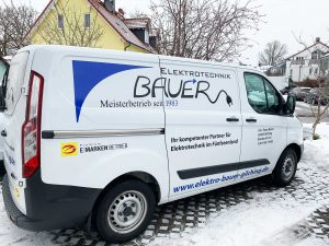 Servicefahrzeug_Bauer Elektrotechnik Gilching_Ford Custom - seitlich